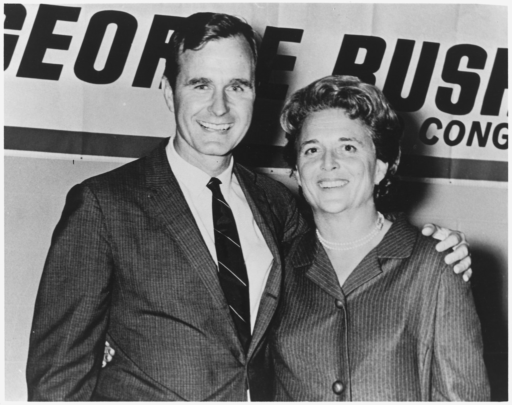 George_and_Barbara_Bush_in_Houston,_Texas_on_the_night_which_George_Bush_was_elected_to_Congress_-_NARA_-_186373.tif